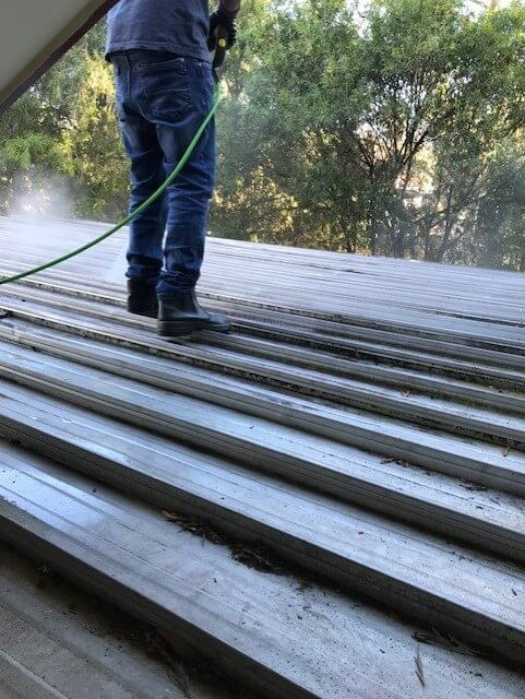 roof high pressure cleaning